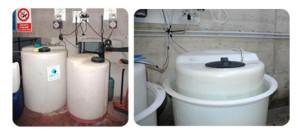 Contenitori dei prodotti chimici utilizzati nell'acqua della piscina