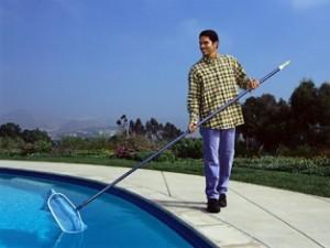 attrezzatura per pulizia piscina