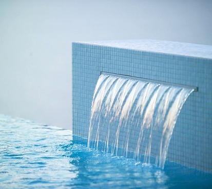 Lamina d 39 acqua powerfall zodiac per piscina - Fontana per piscina ...