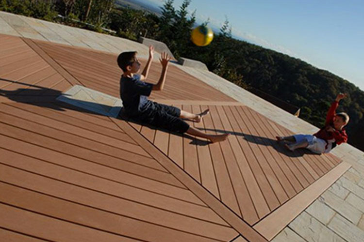 Pavimento decking in WPC