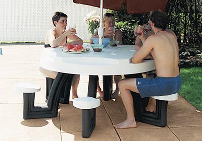 Tavolo galleggiante per piscina
