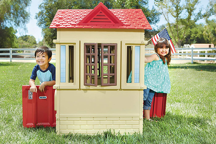Cottage by Little Tikes finestra