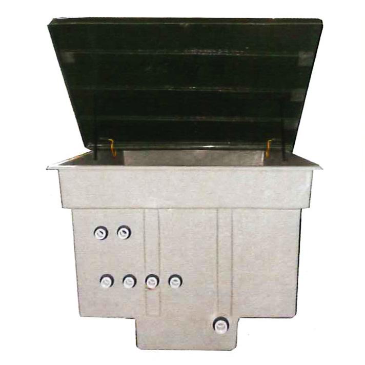 locale tecnico per pompa e filtro