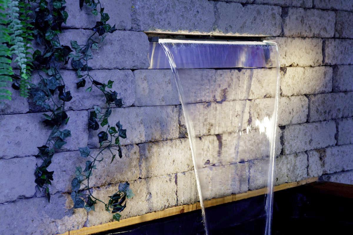 cascata NIagara Wall con illuminazione LED per piscina