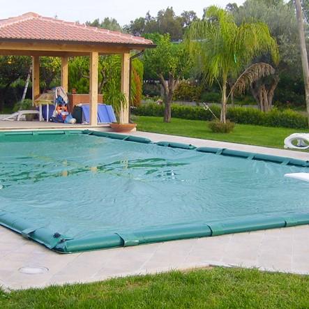 Copertura invernale per piscina con salsicciotti
