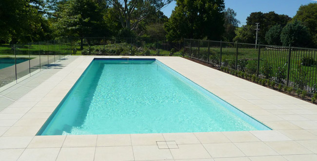 Lastra piastrella spiaggia 49 5 x 49 5 x 3 5 bianco giallo - Piastrelle per piscina ...