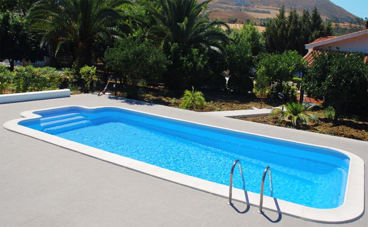 Piscina in vetroresina piscine in vetroresina acqua dream for Riparare piscina