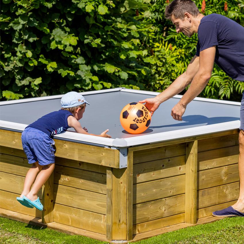 Piscina fuori terra in legno per bambini