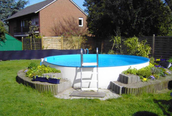 Installazione della piscina Clio