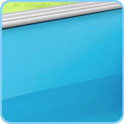 Liner azzurro piscina