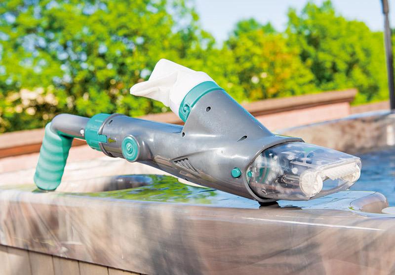 Aspiratore elettrico manuale Shark Blaster ricaricabile