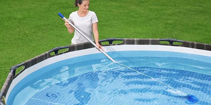 Aspiratore subacqueo AQUAREACH a batteria per piscine e SPA - Flowclear