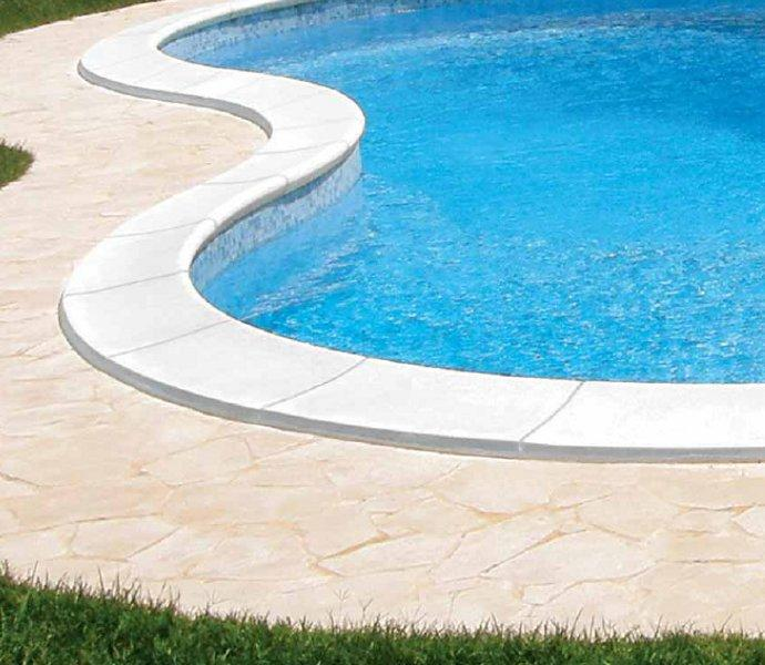 Bordo sagomato standard bianco liscio per piscina for Bordi per piscine