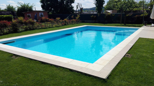 Bordo piatto jadis bianco per piscina for Arredo piscina