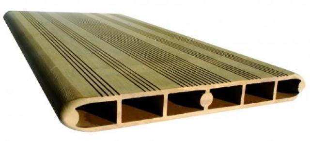 Bordo piscina Havana in legno composito