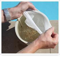 Assorbente galleggiante per cestello skimmer