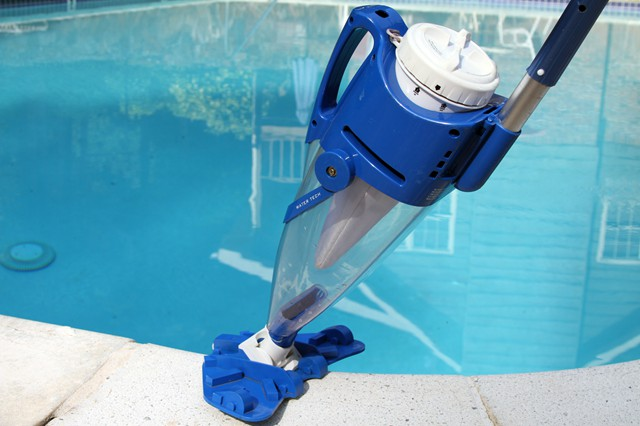 centennial pulitore piscina