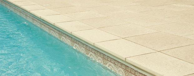 Lastra pavimentazione da esterno piscina in pietra for Pavimentazione della piscina