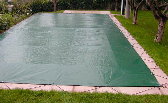 Copertura invernale piscina con occhielli