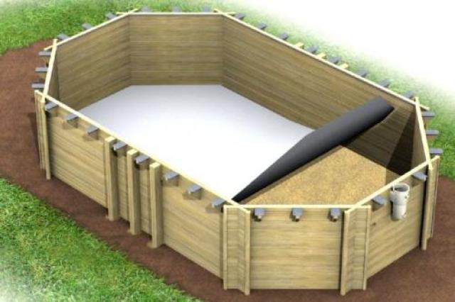 Installazione piscina in legno fuori terra
