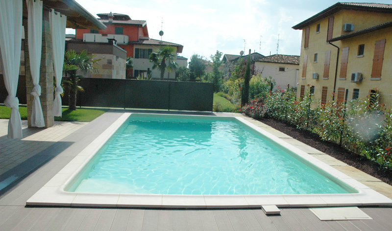 Piscina interrata in casseri di polistirolo