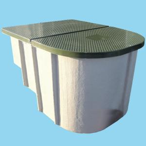 Locale tecnico prefabbricato vuoto per piscina