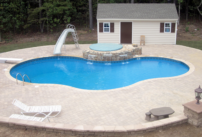 piscina interrata in pannelli d'acciaio