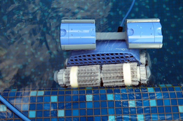 Robot piscina a batteria