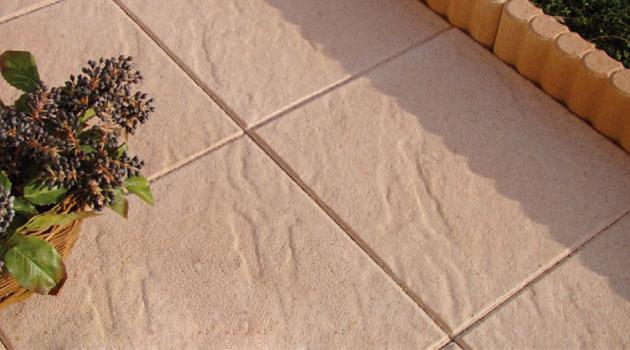 Pavimentazione Castellana in pietra ricostruita made in italy corallo