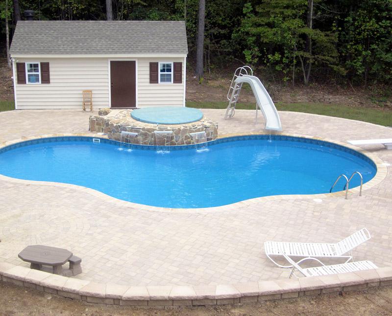 piscina interrata in cemento armato