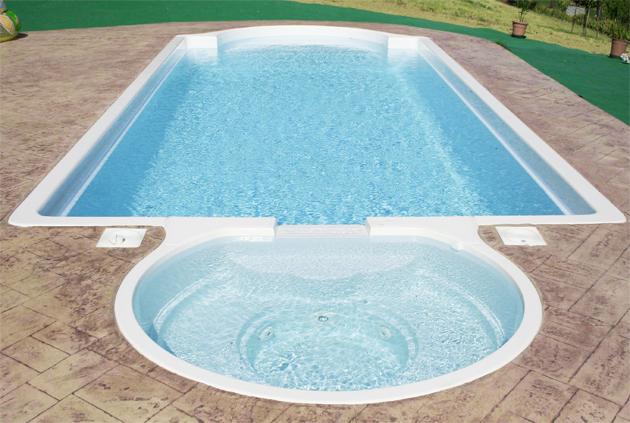 Piscina in vetroresina monoblocco bahia 10 85 x 3 80 m for Piscina bahia