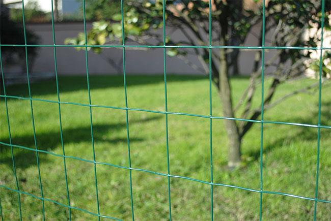 Rete metallica per recinzioni in rotoli - Recinzioni per piscine ...