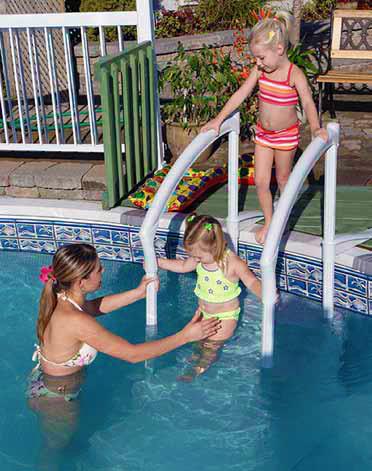 Scaletta amovibile in resina FESTIVA Lumi-O per piscina