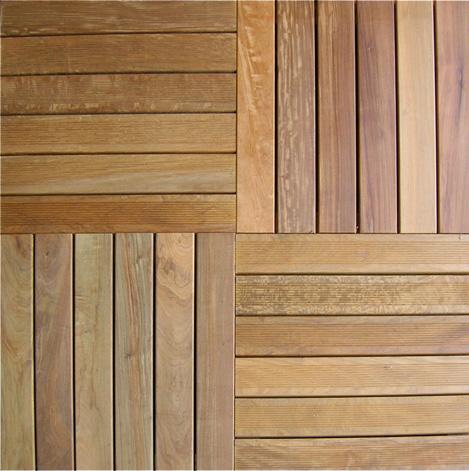Pavimentazione in quadrotte di legno per esterni in - Piastrelle in legno da esterno ...
