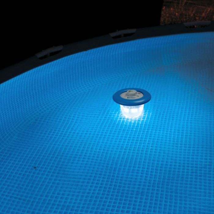 Luce galleggiante intex per piscine fuori terra for Luci per piscina fuori terra