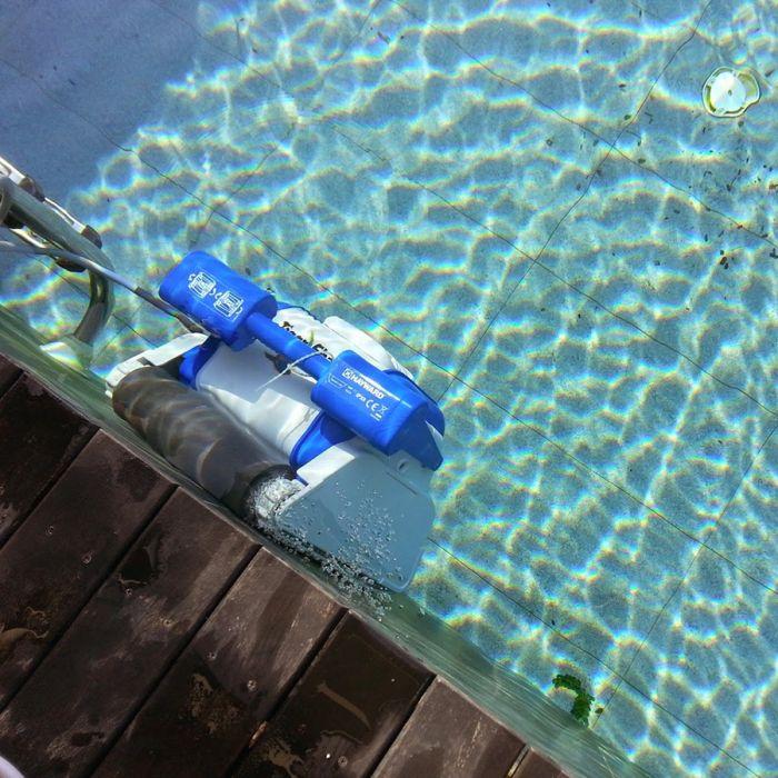 robot per piscina tigershark qc hayward. Black Bedroom Furniture Sets. Home Design Ideas